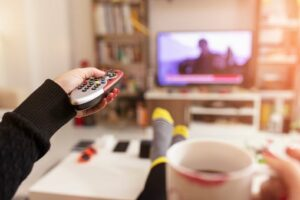 Faut-il mettre une télé dans une chambre en location ?